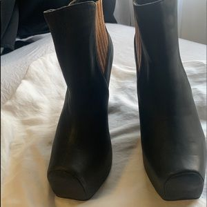 Messeca Anckle boots size 6.5 NEW